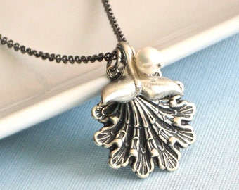 Silver Shell Necklace -  Whale Tail Necklace, Mermaid Tail Necklace, Ocean Jewelry, Beach Jewelry