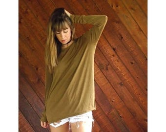20% off SUMMER SALE. . . Slouchy Slinky l/s Tee Shirt in Golden Brown - Vintage 90s - OS