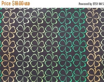 SALE St Patricks Day Table Runner Shamrocks in Rows Irish Green Gold Padded