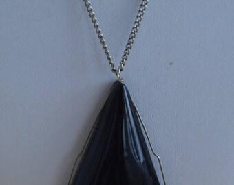 "On sale Pretty Vintage Black Stone Pendant Necklace, Silver tone, 24"" (L14)"