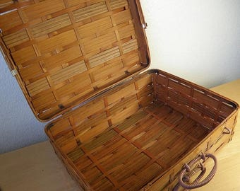 christmasinjuly Large Bamboo Picnic Basket or Storage Basket..Made in Japan