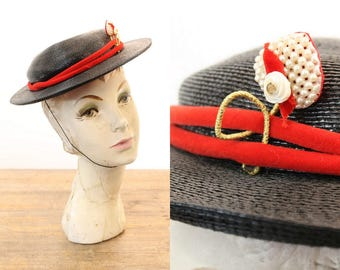 60s Boater Hat / 1960s Vintage Bon Marche Straw Hat / Pearl Heart Cap