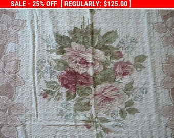 Shabby Vintage Barkcloth Roses Fabric