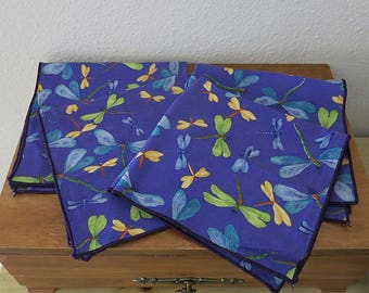 Set of 4 Dragonfly Napkins Machine Bound Edge Cotton 16 Inches Square Vintage Supply