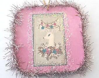 Vintage Style Reindeer Glittered Wood Christmas Ornament8