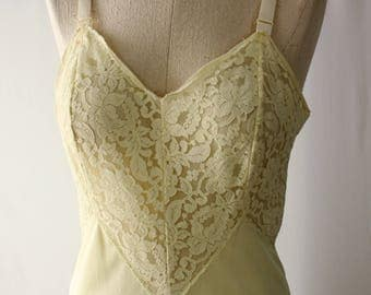 Gorgeous Lemon Yellow Lace Slip // Vintage Lace bodice V Shape Bodice Full Slip 1960s Hollywood Glam