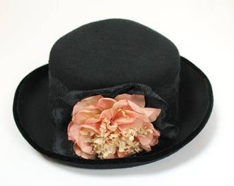 ON SALE Vintage Wool Hat Sz 7 1/4 L 70s Black Felt Lace Velvet Trim Large Peach Flower Free Us Shipping