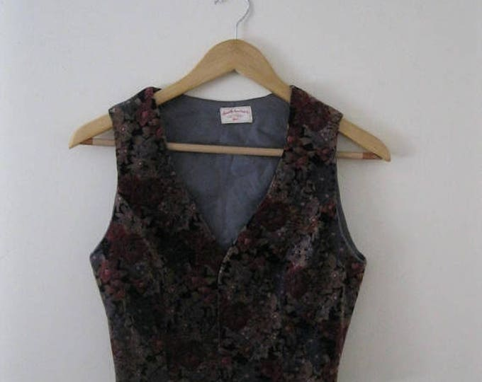 WINTER SALE Vintage 70s Floral Velvet Vest / Hippie Boho gray and wine floral velvet waistcoat vest