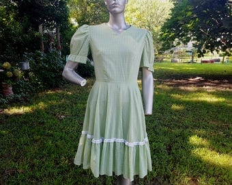 60s Dress in Eyelet and Green Gingham, Vintage Dress, Vintage Costume, Gilligan's Island, Mary Ann, Hee Haw Size 8