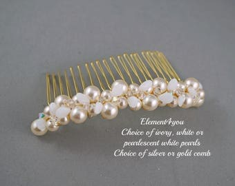 Pearl hair comb, Bridal hair accessories, Metal beaded comb, Pearlescent white ivory pearls, Fall wedding comb, Gold leaf comb