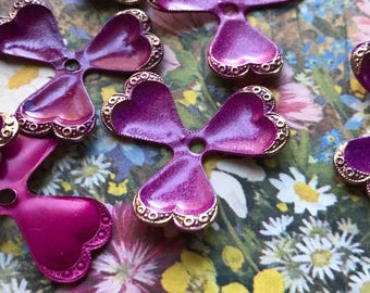 Victorian metal flowers, Etched Flowers, Vintage Enamel Flower Beads, Pink Metal flowers, Enamel flowers, stackable flowers, Boho #57E