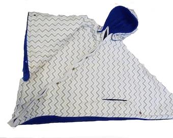 Car Seat Poncho 4 Kozy Kids (TM)-pockets, double sided, reversible, detachable hood & batting, safe, warm-Gray White Chevron/Dark Blue