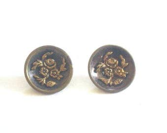 Bouquet of Roses Victorian Metal Buttons x 2
