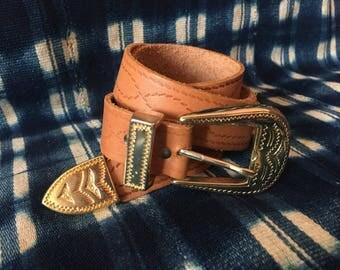 """28-30"""" Waist Belt / Vintage Leather Belt / Statement Belt / Tooled Leather Belt / Golden Hardware Belt"""