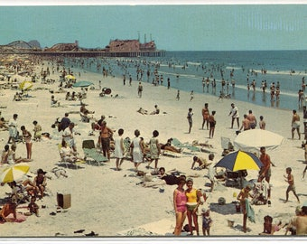 Beach Scene People Wildwood By the Sea New Jersey postcard