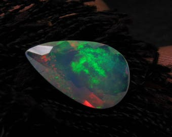 Ethiopian Welo OPAL - AAAAAAAAAA - High Quality Fine Cut Faceted Pear Stone Full Flashy Color Full Fire size - 8 x13 mm - Height 4 mm
