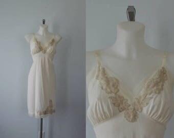 Vintage Ivory Full Slip, 1960s Full Slip, Vintage Lingerie, Vintage Slip, Romantic, Wedding, Ivory Slip, 1960s Lingerie