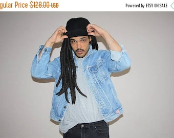 On SALE 35% Off - George Marciano for Guess Vintage 80s Light Wash Denim Jean Jacket - 1980s Guess  - 80s Clothing - MV0088
