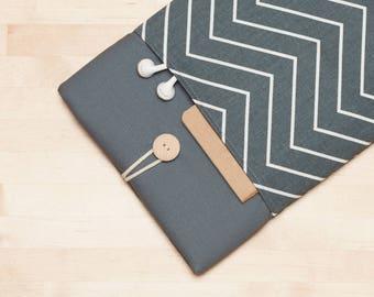 13 inch Macbook pro case / Macbook pro 13 sleeve /  Laptop sleeve / padded with pockets  - chevron gunmetal