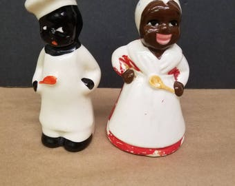 Ceramic Chefs Salt and Pepper Shakers