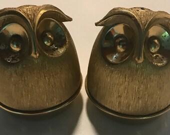 Vintage 60s 70s Mod Owl Bird Salt Pepper Shakers Brass Retro Mid Century Modern Napier Sixties Seventies Decorative Kitchenware