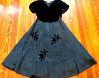 Stunning L 50s Dress with Silk Velvet, Soutache and Silver Beading