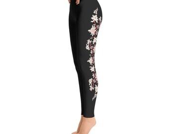 Pretty cut flowers Yoga Leggings