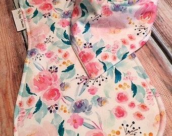 Baby burp cloth set-girl burp cloth set-Baby gift-floral bandana bib-baby girl bib Set-Bandana Bib-floral Burp Cloth-Designer Bib set