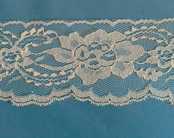 Blue Floral Flat Lace Sewing Trim 5 3/4 Yards by 3 Inches Wide L0624