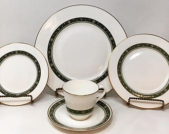 Rondelay by Royal Doulton Place Setting