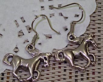 Elegant Antique Silver Running Horse Earring