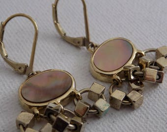 Vintage earrings, mother-of-pearl and gold plate drop dangle lever back earrings,jewelry