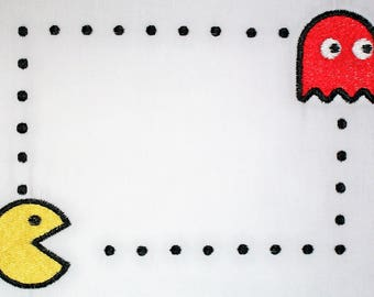 Pacman embroidered quilt label to customize with your personal message