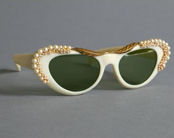 Vintage 1950's Italian Made White Sunglasses with Encrusted Pearls and Metallic Gold Embellisments / Solflex Glass Lenses / Made in Italy