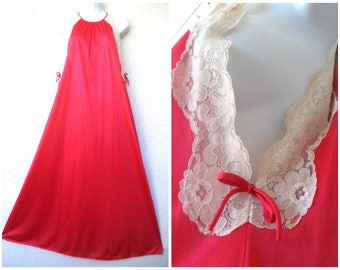 """1970s Long NIGHTGOWN. Open Sides. Red Nightgown. Sexy Nightgown. High Neckline. Lace Trim. Keyhole Back. Honeymoon Lingerie. M. L 46"""" Bust"""