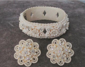 25% Off Beautiful Flower Lace Bangle and Earrings, Original Condition, Wedding Set, Collectible