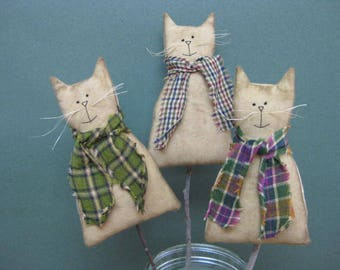 Primitive Cat Plant Pokes - Set of 3 - Grungy Muslin Fabric - Animal Crock Pokes - Country Primitive - Stuffed Cats