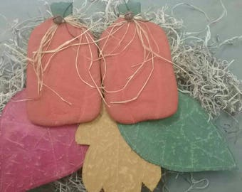 Primitive Fall Bowl Fillers - 3 Flat Painted Fabric Leaves  & 2 Pumpkins - Autumn Decor - Country Tucks - Fall Ornies - Primitive Grungy