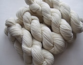 Natural undyed yarn, yarn for dyeing, fingering weight lithuanian wool, 8 skeins X 100gr