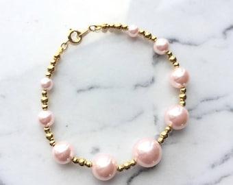 SUMMER SALE Simple Vintage Pink Pearl and Gold Beaded Bracelet signed Japan