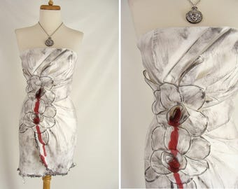 WILMA FLINTSTONE ZOMBIE Costume. Bleeding Rose Flower Dress. upcycled White Strapless Dress. Sexy Vampire Halloween Costume. size 4 xs
