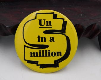 """1970's Vintage 7up The Uncola Advertising Pin Pinback Button That Reads """"  Un in a Million"""" dr50"""