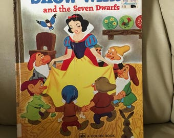 Vintage  Snow White and the Seven Dwarfs Large size Children's Book