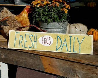 primitive spring decor,fresh eggs wood sign,easter decor,rustic kitchen decor,wood sign,chicken,rooster,front porch decor,handpainted sign