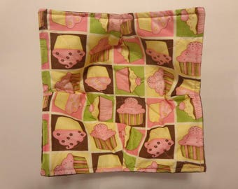 Cupcake Squares over Brown - Microwave Bowl Cozy