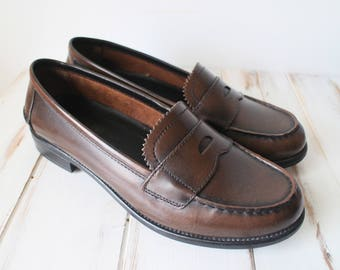 SIZE 8.5 Vintage Womens Deep Rich Brown Genuine Leather Classic Loafers