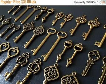 ON SALE Keys to the Kingdom - Skeleton Keys - 76 x Vintage Keys Antique Bronze Brass Skeleton Keys Old Skeleton Key Set Bulk Keys Keys Charm