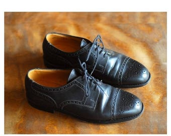 20% off weekend sale / vintage Bally black leather oxfords / size 6.5 7