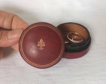Gilt Fleur de Lis Red Ring Box tooled Leather Men Jewelry trinket Cufflinks keepsake Italy Vintage mini small