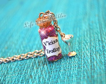 Gilmore Girls Necklace Vicious Trollop, Gilmore Girls Gift, Lorelai Gilmore, Rory Gilmore, Stars Hollow, Gilmore Girl, Gilmore Girls Jewelry